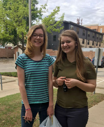 LDS Institute students Kendra and Myranda
